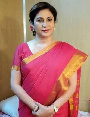 Kunika as Aamir Ali aka Dylan's mother - Juliet Bai | Delhi Wali Thakur Girls cast