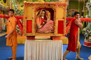 Will Riya Marry to Shivam or Amit? | Mere Angne Mein