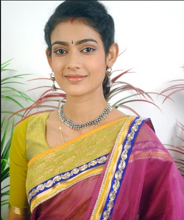 Aakanksha Singh | Mahakumbh Serial 2014 | Life OK| Star Cast images| Ek Duje Ke Vaste | Pics | Images | Cast | Timing | Repeat Telecast