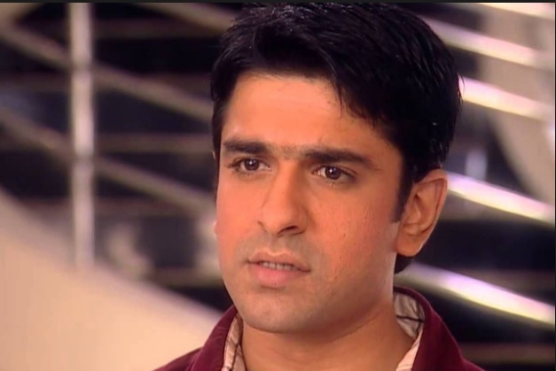 Eijaz Khan Biography | Personal Profile | Eijaz Khan Age | DOB | Eijaz Khan Wife | Eijaz Khan Marriage | Eijaz Khan Serials | Eijaz Khan in Moh Moh Ke Dhaage | Yeh Moh Moh Ke Dhaage Ccast | Mukhi Real Name