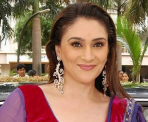 Eva Grover as Yuvraj's Mother | Tashan e Ishq | All cast images | Story | Plot | Timing | Pics | images | Wallpapers | Photos