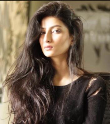 'Palak Tiwari' Biography, Age, Weight, Height, Wiki, Bio, Shveta Tiwari Daughter Details | Droutinelife