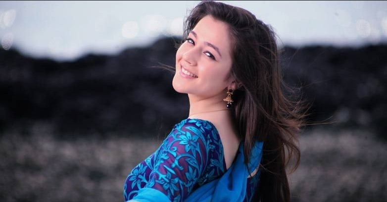 Priyal Gor | Dasi Toh Phasi Cast | Dasi Toh Phasi Timings | Repeat Timings | Pics | Images | Wallpapers